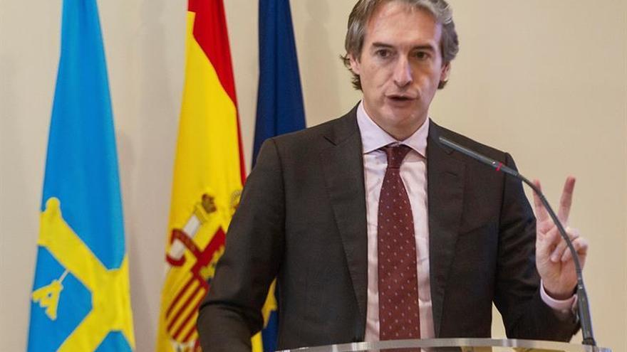 """De la Serna alaba la gestión de Rajoy en Cataluña frente a los """"irracionales"""""""