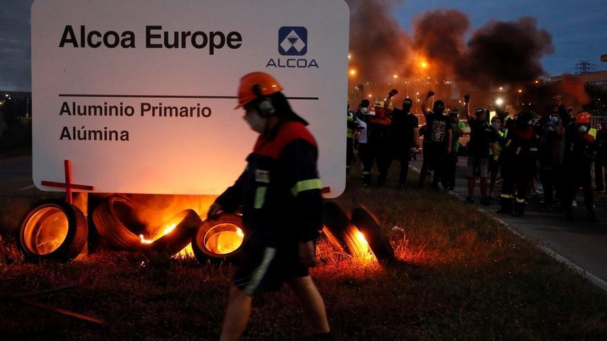 Los trabajadores de Alcoa iniciaron el miércoles una huelga para demandar una solución