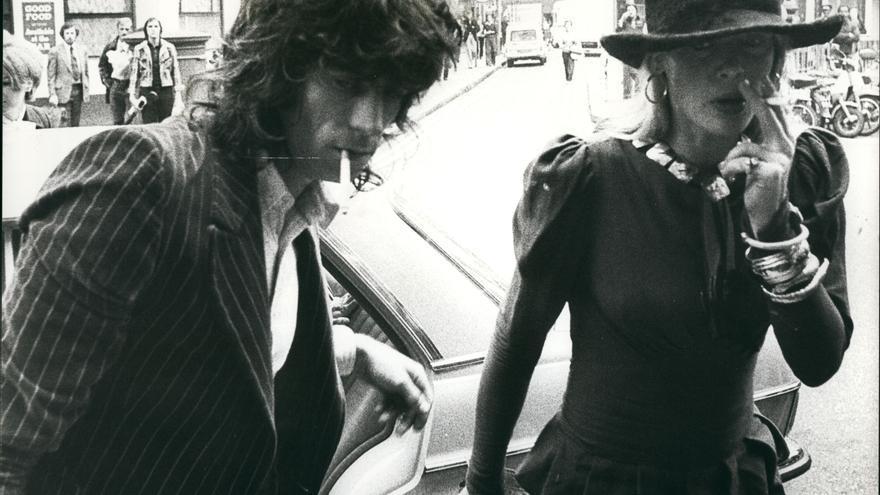 Anita Pallenberg junto a Keith Richards