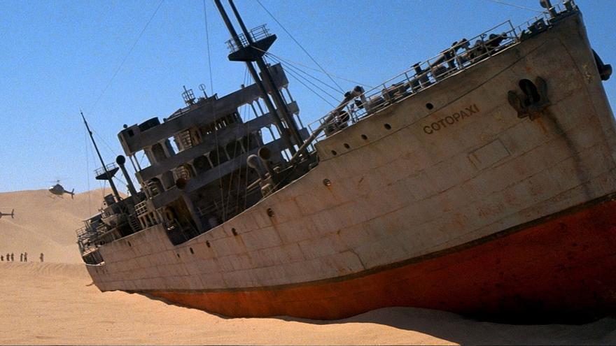 El buque del PSOE espera órdenes de su nueva capitana.