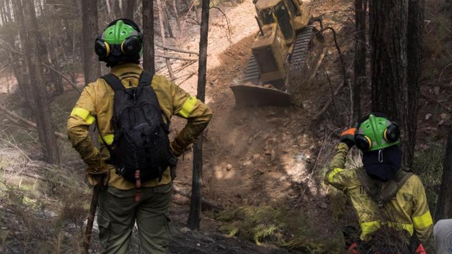 Controlado el incendio forestal de Almonaster (Huelva)