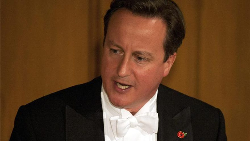 Cameron dice que Reino Unido no busca otra guerra fría con Rusia