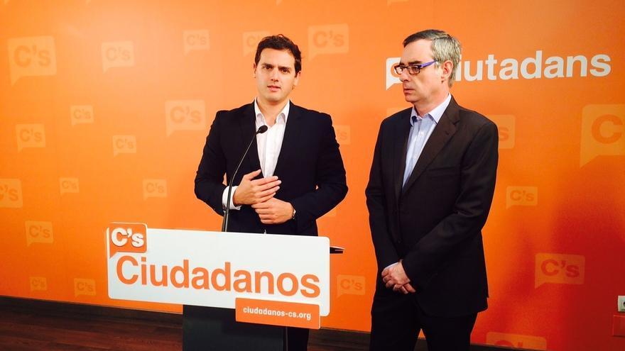 Rivera apela a la ilusión para ganar con un vídeo desde Barcelona y Madrid