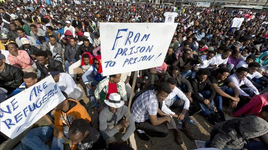 Miles de inmigrantes africanos protestan contra la política de acogida israelí