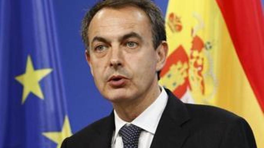En CC apoyarían ''encantadísimos'' una moción a Zapatero