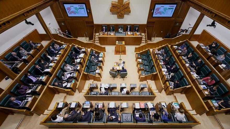 El Parlamento Vasco pide que un grupo de expertos analice las indemnizaciones a víctimas del franquismo
