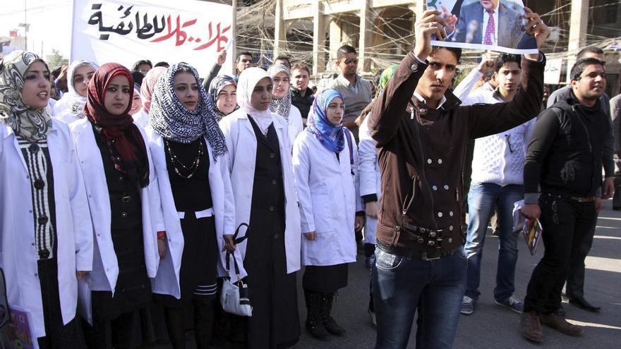 Diputados iraquíes piden la comparecencia del primer ministro tras protestas