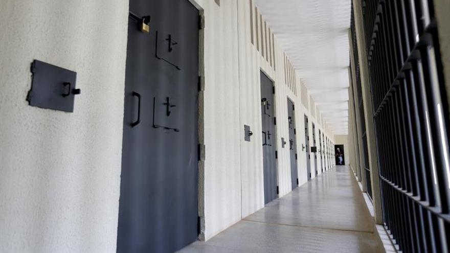 Cerca de treinta presos escapan de una cárcel en Brasil y causan caos en las vías