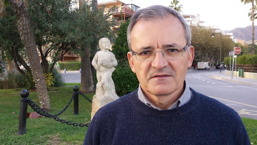 El escritor Luis Rodríguez