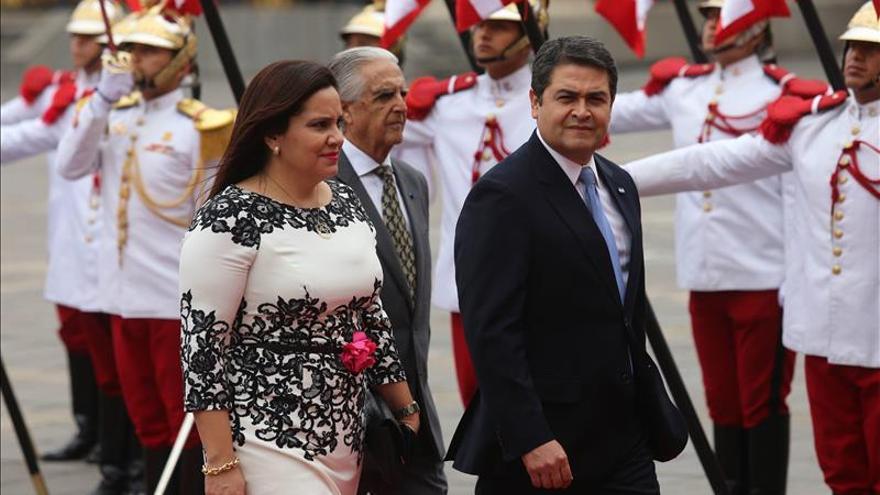 Honduras firma un TLC con Perú con miras a ingresar en la Alianza del Pacífico