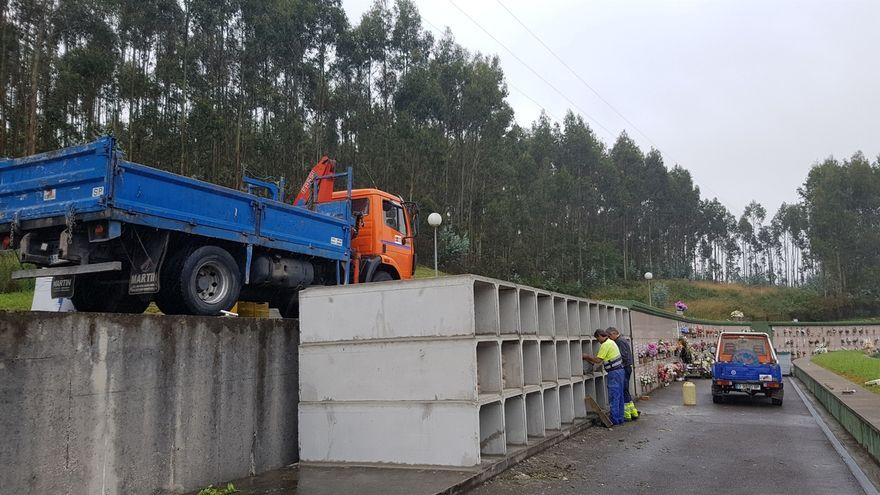 Comienza la construcción de 36 nuevos nichos en el cementerio Río Cabo