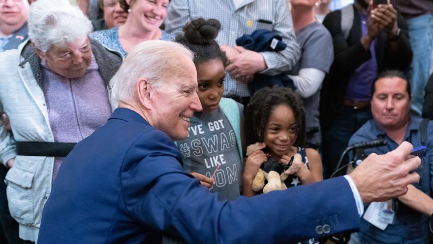 El exvicepresidente Joe Biden durante un acto de campaña para las elecciones primarias del Partido Demócrata.