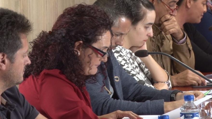 Rosa Fernández, en un pleno del Ayuntamiento de La Oliva.