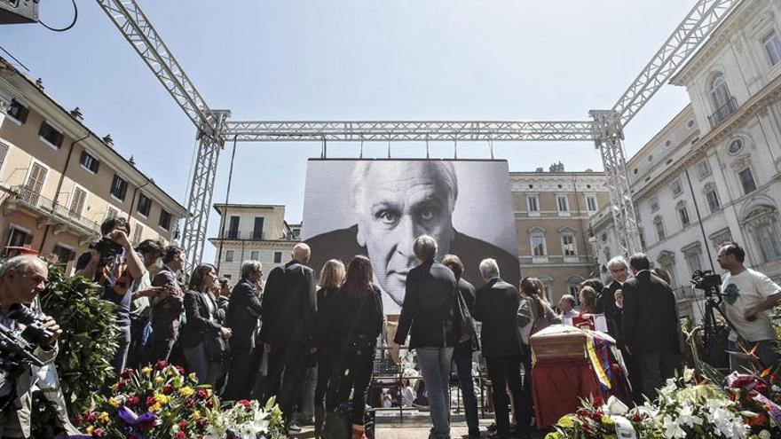 Roma despide a Marco Pannella con un funeral laico en la plaza Navona