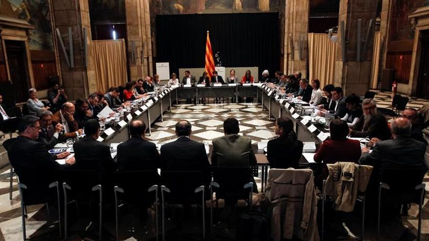 Puigdemont anuncia una nueva ley sobre pobreza energética para evitar al Constitucional