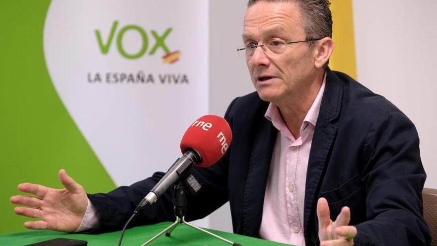 Carmelo González acepta su cese en Vox y ratifica su candidatura frente a Abascal