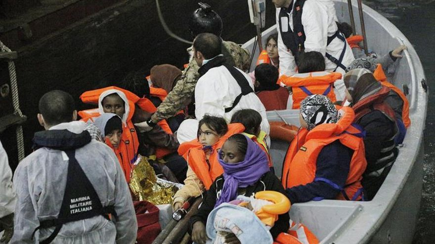 Italia recupera tres cadáveres y rescata a 1.385 personas en el mar