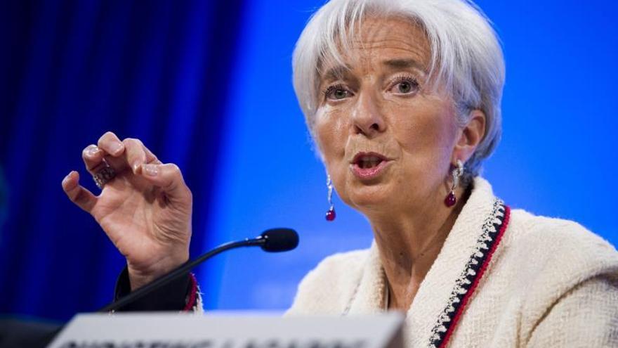 Lagarde pide potenciar la demanda interna para afrontar la incertidumbre global