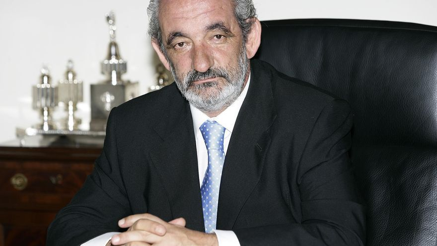 "Santos Llamas dimite ""de manera irrevocable"" como consejero de Caja España-Duero"