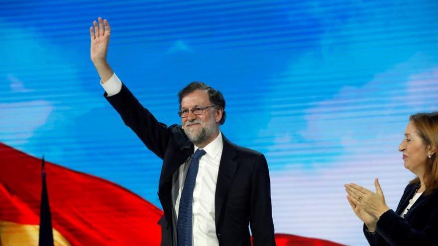 Rajoy recomienda al PP no asustarse por nada y mantener sus posiciones