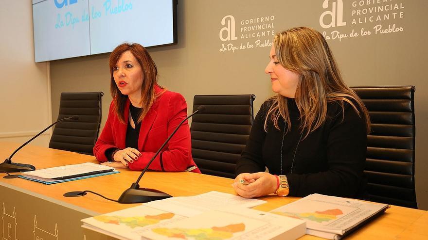 La diputada alicantina de Mujer e Igualdad, Mercedes Alonso (izquierda).