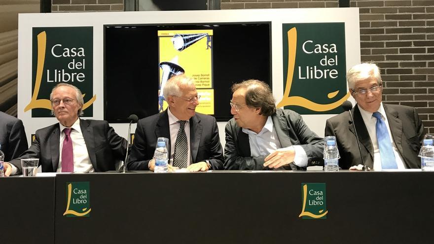 Los exministros Borrell y Piqué se conjuran contra el referéndum y avisan de que no se votará