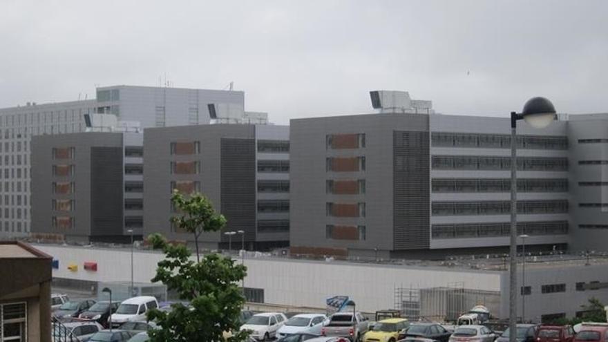 Valdecilla realiza mañana el traslado de pacientes de la Residencia Cantabria al Edificio 2 de Noviembre