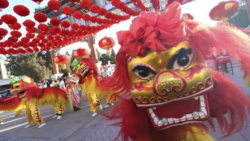 """China recibe al """"mono de fuego"""" con la esperanza de que traiga buena fortuna"""