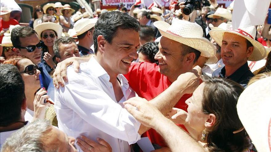 """Pedro Sánchez: """"Por nombres como Bárcenas y Rato, Cospedal y el PP merecen perder"""""""