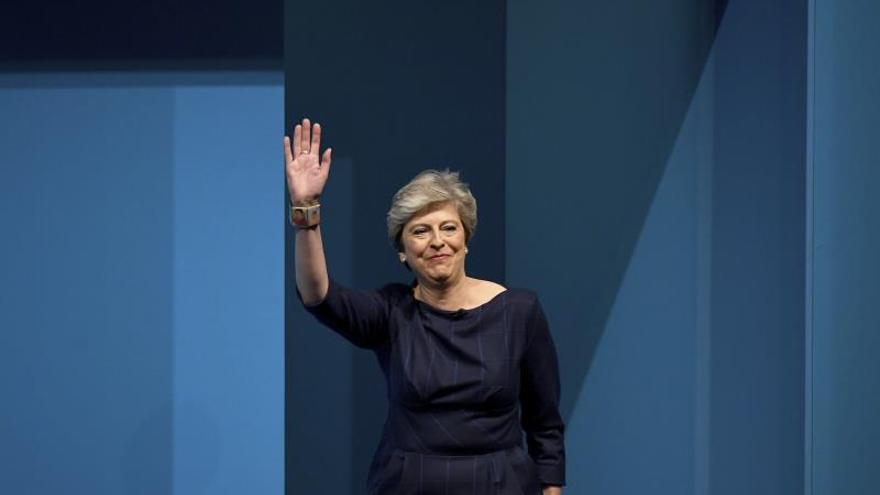 """El caos del """"brexit"""" acrecienta la presión sobre Theresa May para que dimita"""