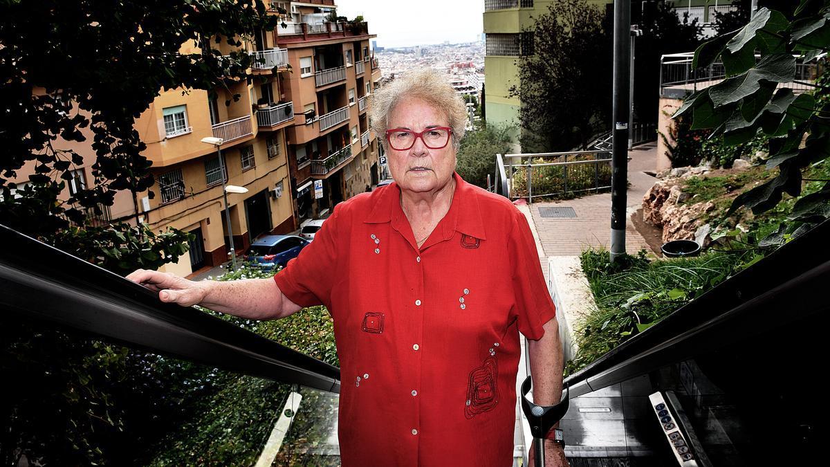 Custodia Moreno, en una de las muchas escaleras mecánicas del Carmel