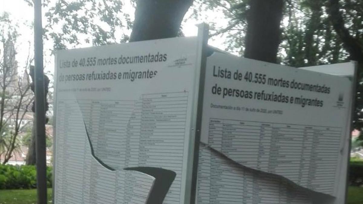 Destrozos en uno de los cubos para una exposición con motivo del Día Mundial del Refugiado en Santiago de Compostela