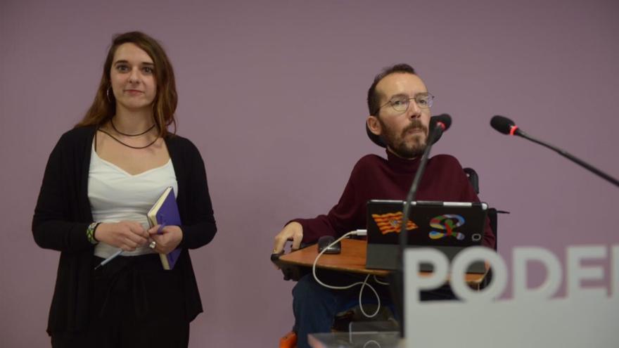 Noelia Vera y Pablo Echenique hoy durante la rueda de prensa tras la ejecutiva.