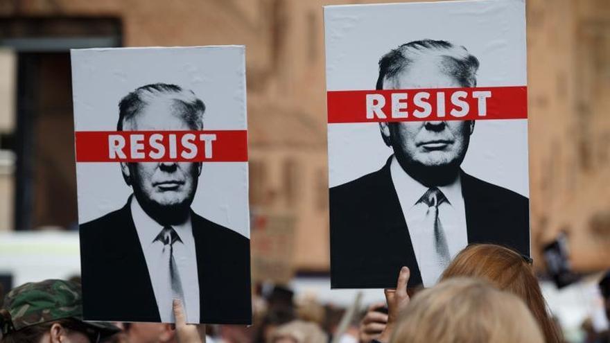 La Policía escocesa abre una investigación sobre la protesta de Greenpeace contra Trump