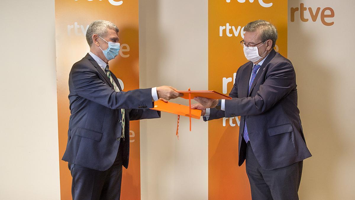 Firma DEL convenio Memoria Democratica en RTVE