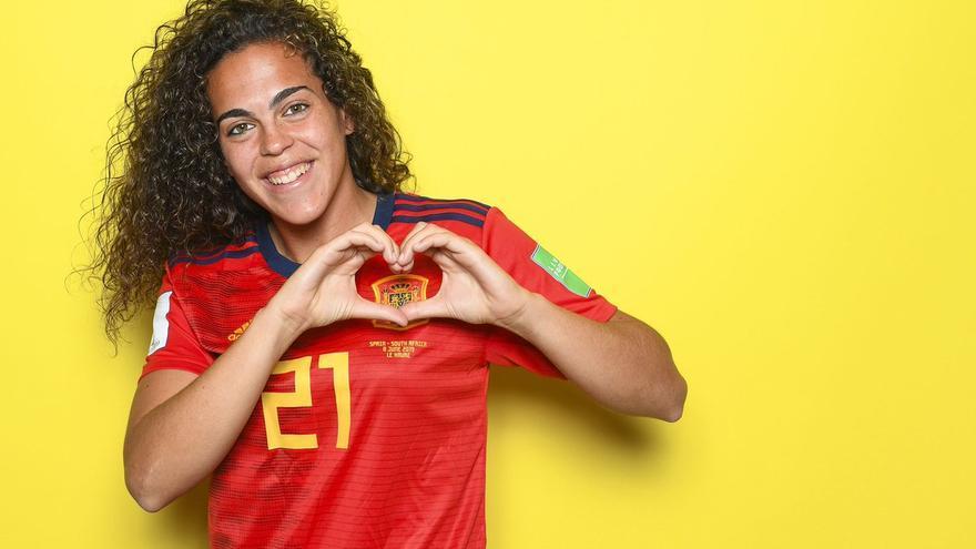 Andrea Falcón, con la camiseta de la selección española