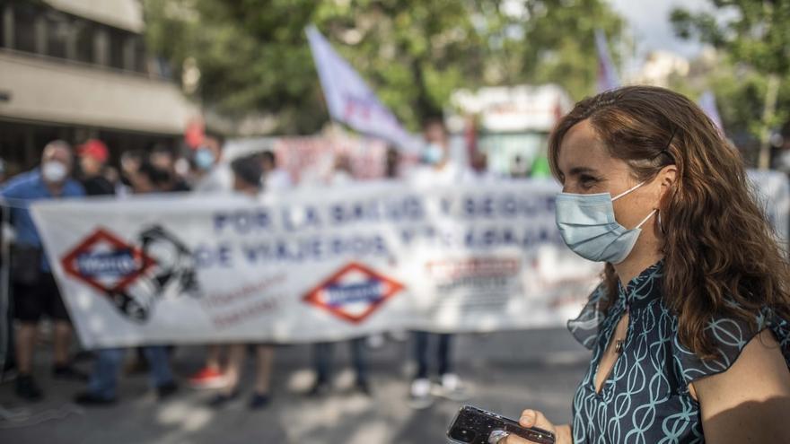 La portavoz de Más Madrid en la Asamblea de Madrid, Mónica García, en la manifestación con los sindicatos de Metro de Madrid.