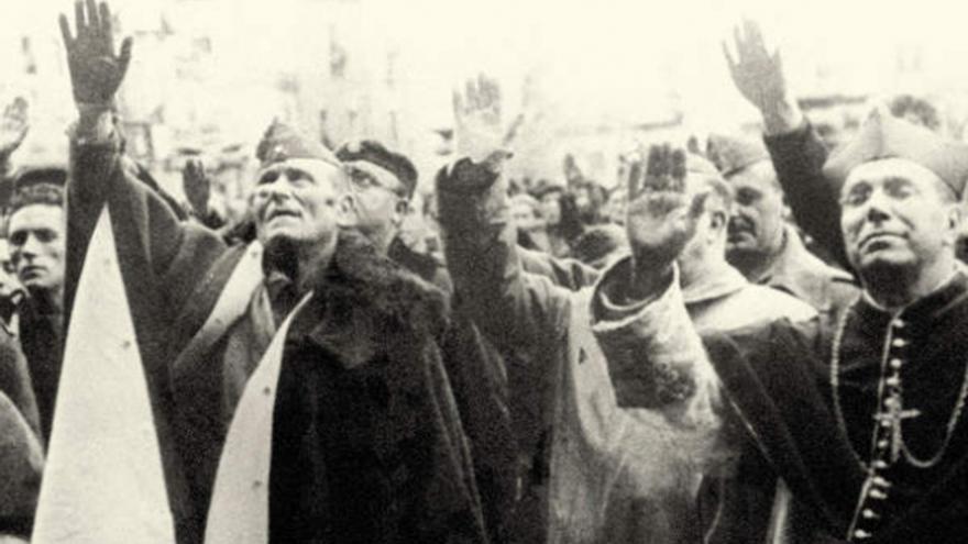 Fotografía de portada del libro 'Por la religión y la patria. La iglesia y el golpe militar de julio de 1936'.