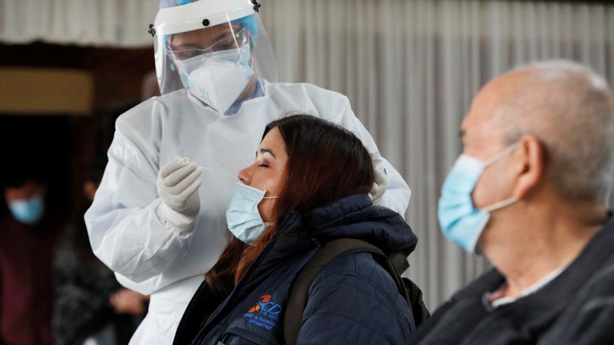 Récord de 25.092 casos en Colombia mientras Bogotá se prepara para la reapertura