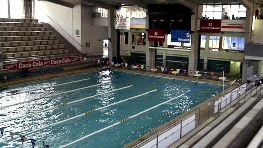 Intoxicados 18 ni os por el cloro de una piscina en lopera for Piscina jaen
