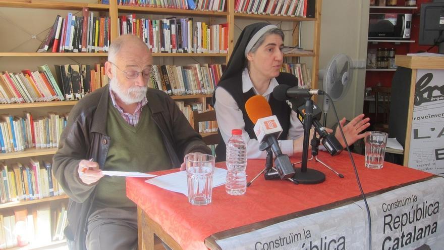 La monja Forcades llaman a ICV-EUiA y la CUP a formar una candidatura unitaria al Parlamento catalán