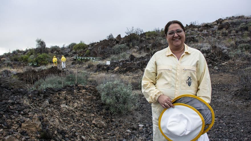 La joven Patricia Dorta Placeres, apicultora de Chirche, en Guía de Isora