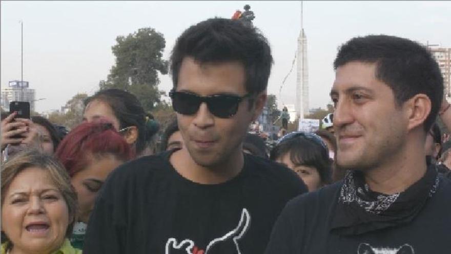 Imagen del joven chileno Gustavo Gatica, quien quedó ciego tras recibir el impacto de dos perdigones al rostro en una manifestación.