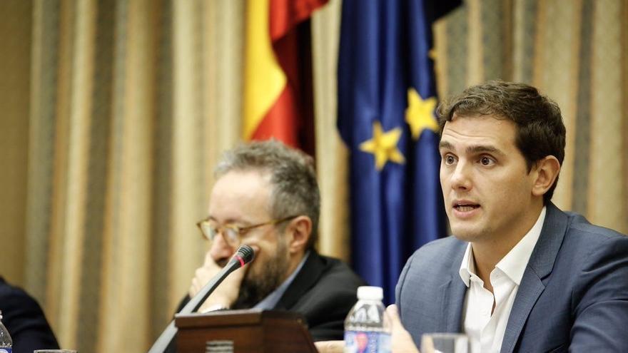 Rivera pide que alcen la voz los socialistas que apuestan por el diálogo y el desbloqueo