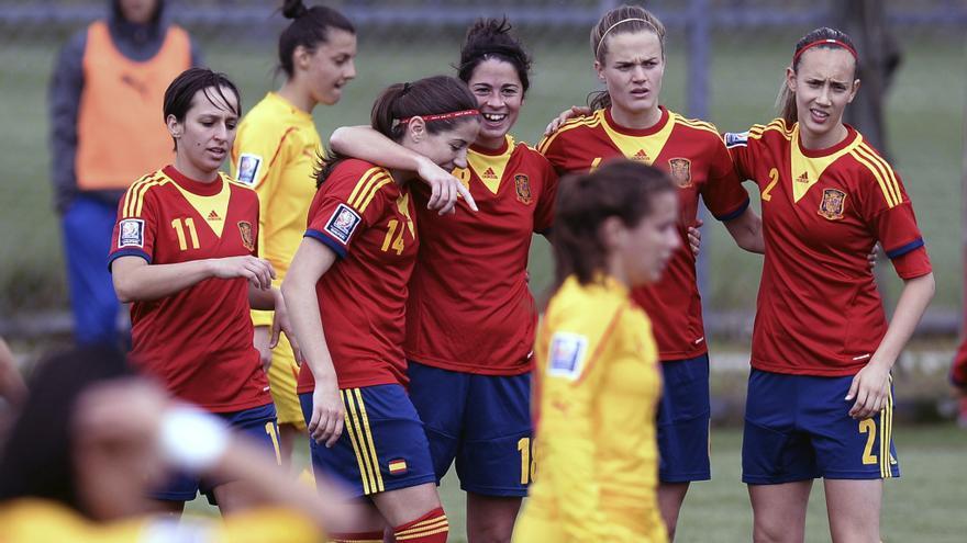 Momento del partido que la selección española de fútbol femenino disputó contra Macedonia en abril de 2014 / EFE