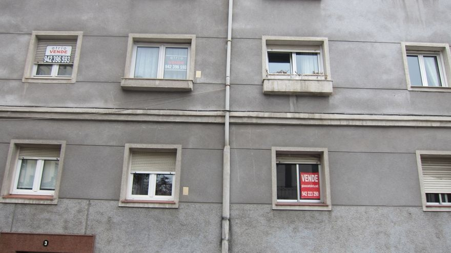 Cantabria, donde menos sube la compraventa de viviendas en mayo, un 1,7%