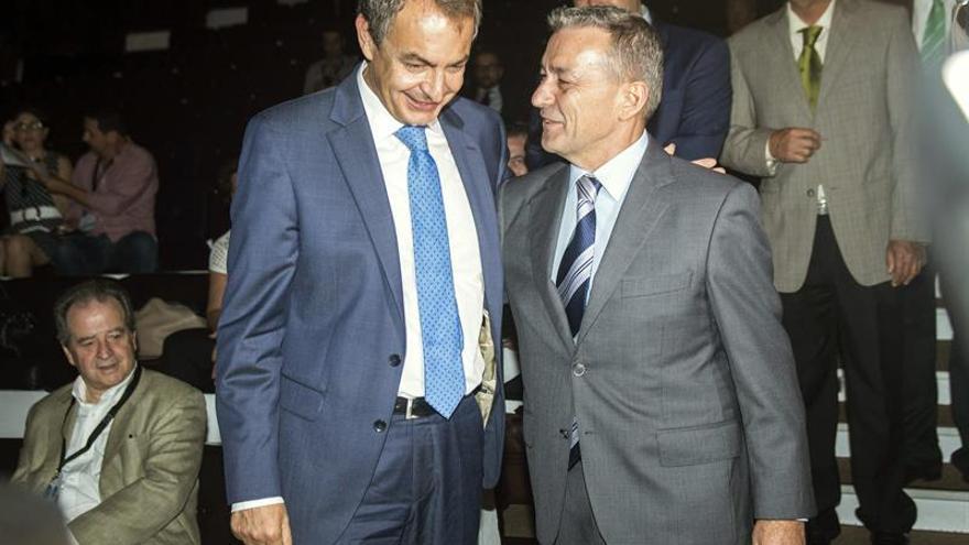 Paulino Rivero junto a José Luis Rodríguez Zapatero en la inauguración del Foro Global Sur. Efe.