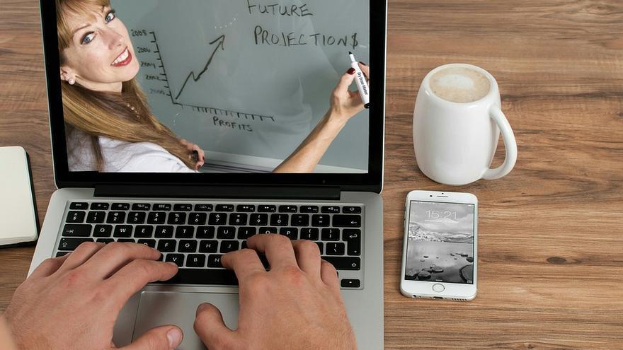 Especializarse con cursos online: la mejor forma de crecer en tu empresa gracias a Prospera