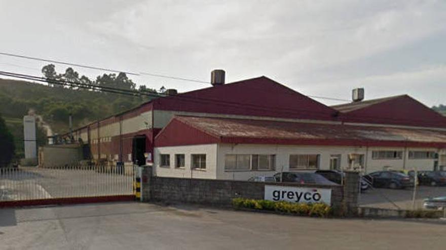 Imagen exterior de la fábrica de Greyco en San Felices de Buelna.