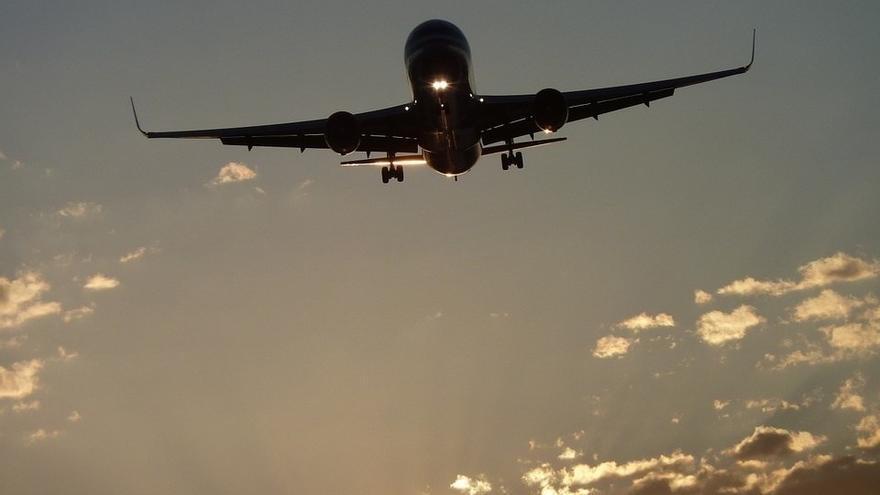Un avión en vuelo. Foto: CC/PIXABAY ( facilitada por Europa Press)